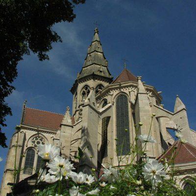 Visite de la collégiale de Semur-en-Auxois depuis l'Hôtel relais de la Côte-d'Or à Semur-en-Auxois Bourgogne