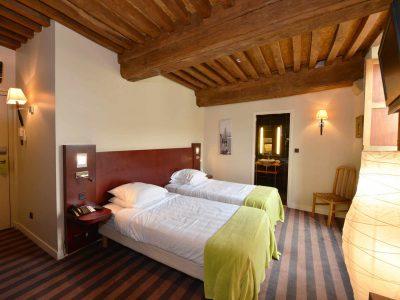chambre 104 de l'Chambre 402 à l'Hôtel relais de la Côte-d'Or à Semur-en-Auxois Bourgogne