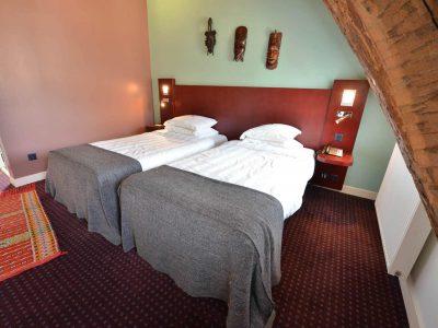 Vue d'une chambre 201 Chambre 402 à l'Hôtel relais de la Côte-d'Or à Semur-en-Auxois Bourgogne