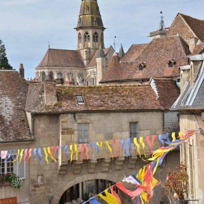 La barbacane de Semur-en-auxois vue depuis l'une des chambres de l'Hôtel relais de la Côte-d'Or à Semur-en-Auxois Bourgogne
