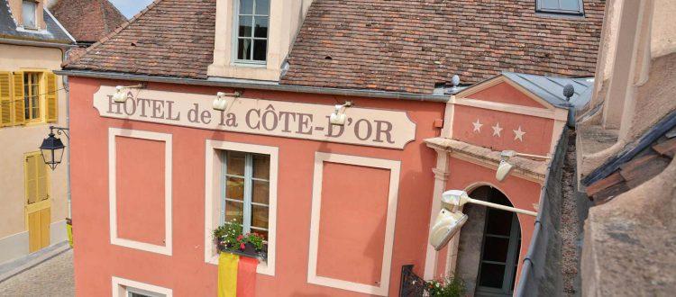 Façade de l'Chambre 402 à l'Hôtel relais de la Côte-d'Or à Semur-en-Auxois Bourgogne