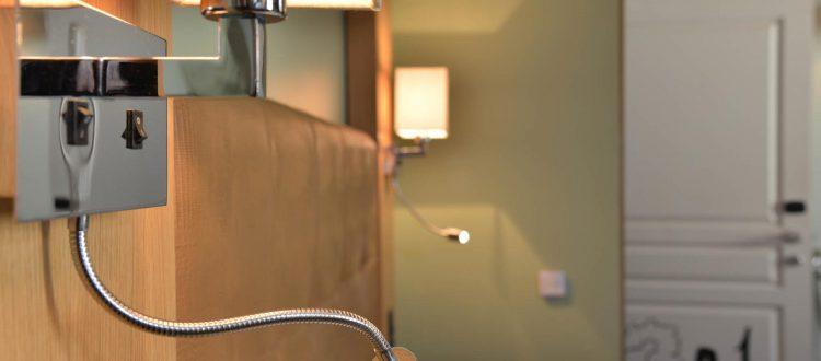 Salle de bain chambre 301 Chambre 402 à l'Hôtel relais de la Côte-d'Or à Semur-en-Auxois Bourgogne