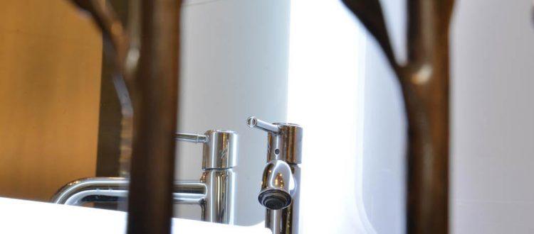 Détails chambre 401 Chambre 402 à l'Hôtel relais de la Côte-d'Or à Semur-en-Auxois Bourgogne