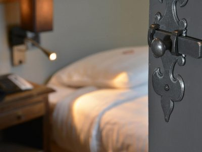 Détail de la chambre 401 de l'Chambre 402 à l'Hôtel relais de la Côte-d'Or à Semur-en-Auxois Bourgogne