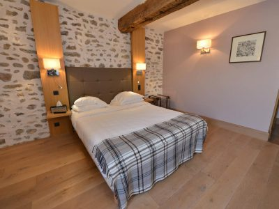 Vue chambre 303 Chambre 402 à l'Hôtel relais de la Côte-d'Or à Semur-en-Auxois Bourgogne