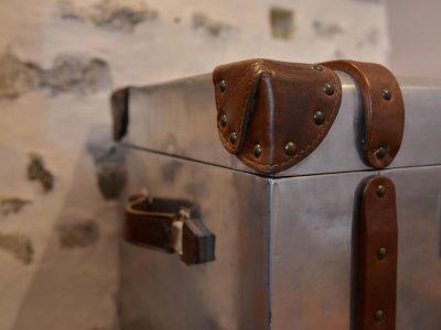 Détail de la chambre 303 de l'Chambre 402 à l'Hôtel relais de la Côte-d'Or à Semur-en-Auxois Bourgogne