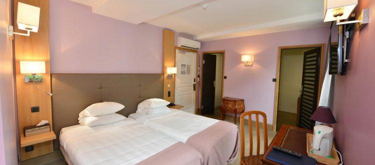 Vue de la chambre 304 Chambre 402 à l'Hôtel relais de la Côte-d'Or à Semur-en-Auxois Bourgogne