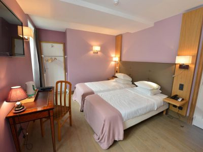Vue de la chambre 304 de l'Chambre 402 à l'Hôtel relais de la Côte-d'Or à Semur-en-Auxois Bourgogne
