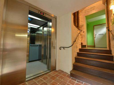 L'Hôtel relais de la Côte-d'Or à Semur-en-Auxois Bourgogne accessible aux personnes à mobilité réduite